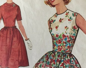 Simple to Make Full Skirted Dress Pattern With Bow Trim Detail---Simplicity 4918---Size 13  Bust 33
