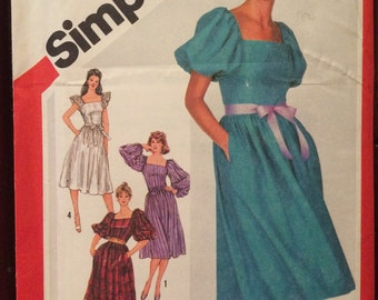 Iconic Eighties Dress Pattern---Simplicity 5872---Size 16 Bust 38  UNCUT