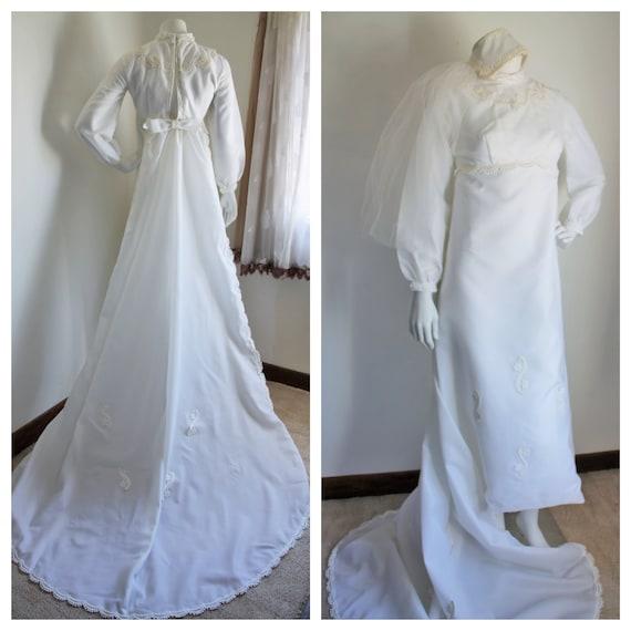 1970's Wedding Dress, Juliet Cap Veil and Detachab