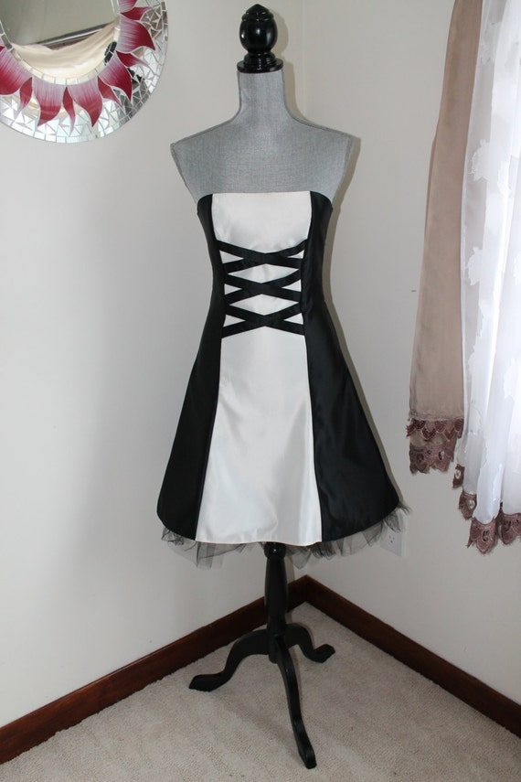 0b5b6379bc2 Strapless Black White Cocktail Dress by Jessica McClintock for