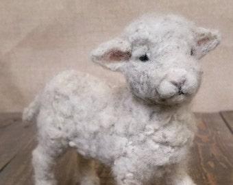 Needle felted lamb, Lamb decoration, Spring, Lamb gift, Farm decor, Spring decor, farmhouse decor