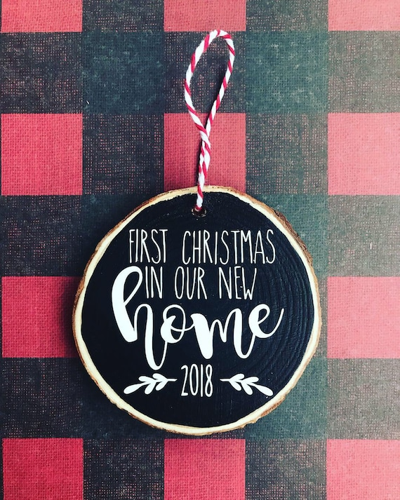 First Christmas In Our New Home 2019.Now 2019 First Christmas In Our New Home Rustic Chalkboard Wood Ornament With Red And White Bakers Twine