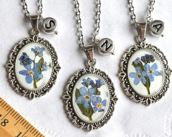 Pressed flower necklace Forget me not gifts for friends, memorial jewelry friendship necklace Initial jewelry, Resin pendant necklace floral