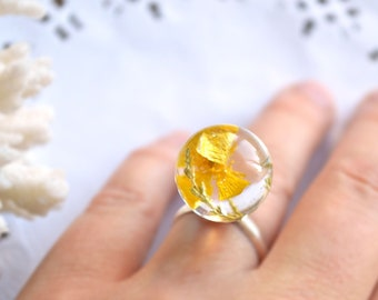 yellow buttercup ring resin yellow ring sister gift for friend, terrarium ring nature woodland jewelry resin, gift for Mom gift for daughter