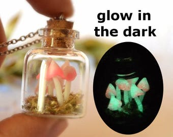 glow in the dark pendant necklace botanical, glowing jewelry womens gift for girlfriend real plant jewellery terrarium jewelry woodland moss