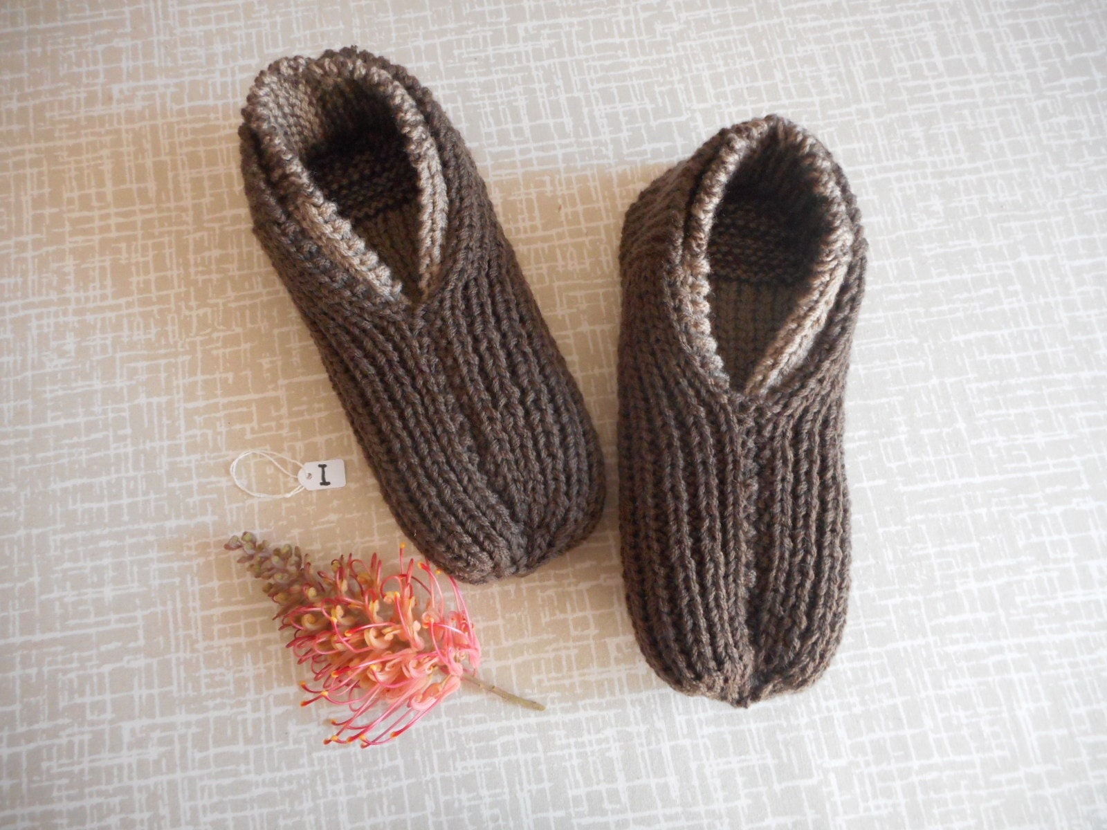 """Man/Woman:Wool slippers,house shoes, Size I length to fit adult, foot length I about 10"""" (25 - 26cm) med/lge women,med men.2 stretchy layers for extra warmth.:High Quality and Low Effort 7c79f3"""