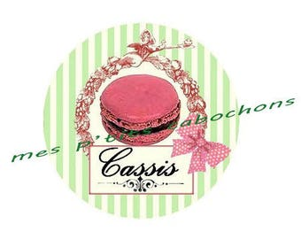 18 mm - nice Ref cassis glass cabochon