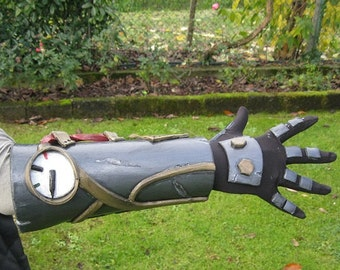MADE TO ORDER* Steampunk armlet with glove for cosplay larp prosthetic amor scifi cyberpunk mecha steam fantasy horror  gotic proprs Wells