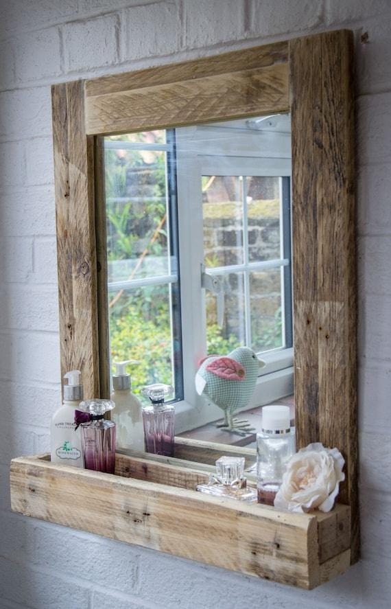 Miroir de salle de bain rustique fabriqué à partir de bois de palettes  récupérées