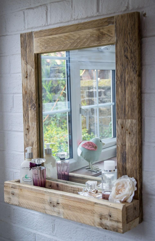 Specchio bagno rustico in legno pallet rigenerato etsy - Bagno rustico in legno ...