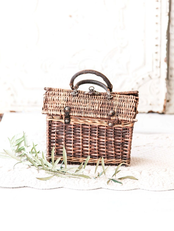 Early 1900s French Wicker and Leather Handwoven H… - image 5