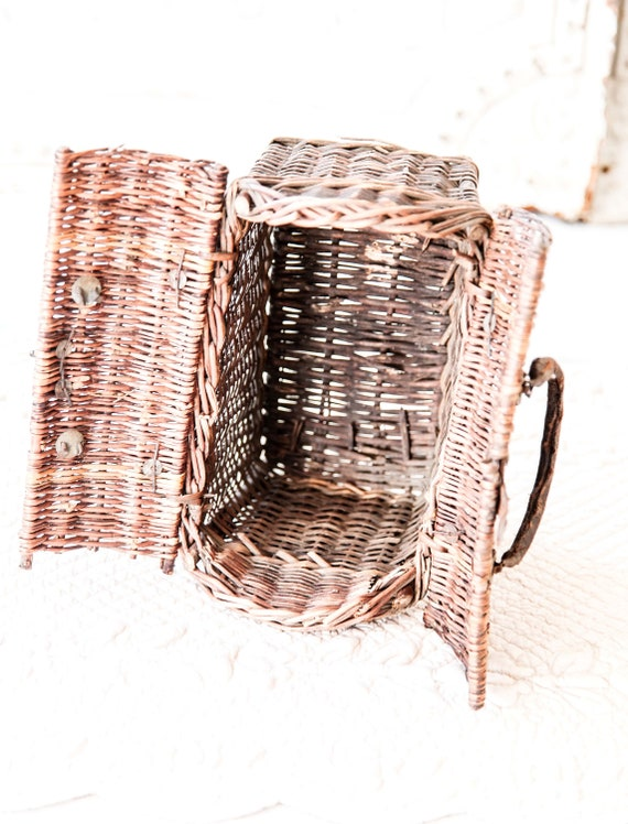 Early 1900s French Wicker and Leather Handwoven H… - image 9
