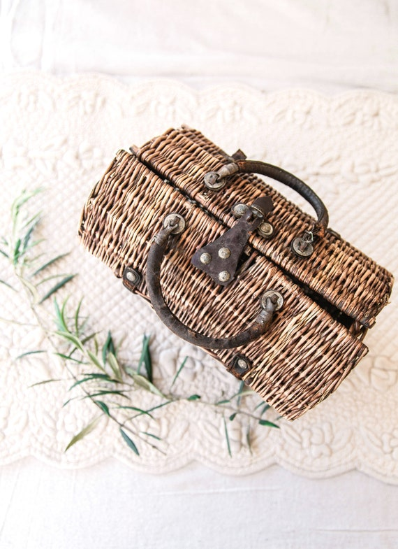 Early 1900s French Wicker and Leather Handwoven H… - image 7