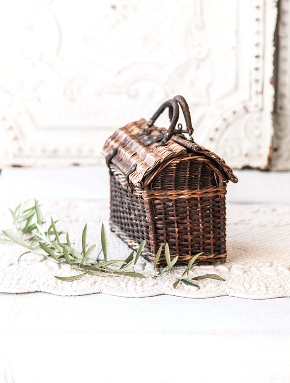 Early 1900s French Wicker and Leather Handwoven H… - image 3