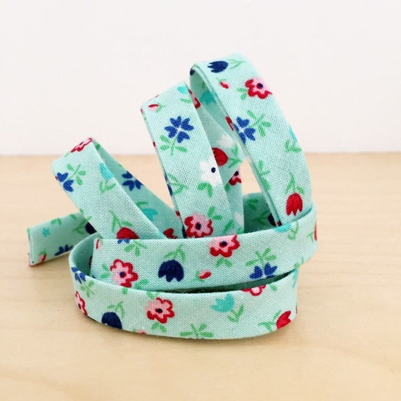"Riley Blake Floral 1/2"" double-fold bias tape- red, white, and blue flowers binding- 3 yard roll"