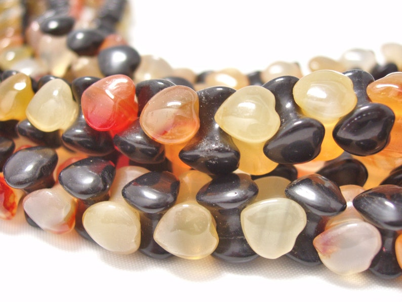 42 pcs Carnelian and 42 pcs Onyx Heart bead center drilled alternating in a strand 8mm heart 11mm long special stone Energy Stone sku#935