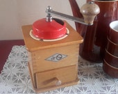 Coffee grinder Kym, coffee mill table model, antique coffee grinder, brocante kitchen, mid century kitchen, Christmas gift, bean coffee, granny chic