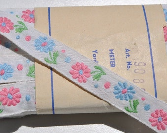 adorable vintage 1950s 13 mm wide pale pink and pale blue flowers pale green leaves on  white cotton  ribbon trim 1 meter