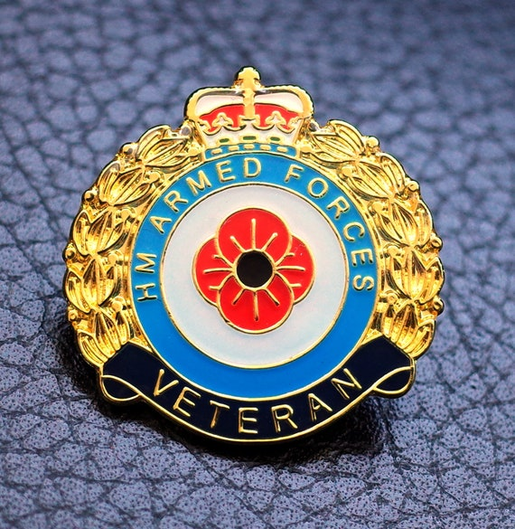 2 x BRITISH ARMED FORCES ENAMEL PIN BADGE UK VETERAN 2019 REMEMBRANCE DAY