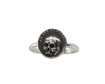 Memento Mori Skull Disc Ring