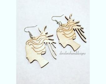 Wooden Earrings - Loc Queen