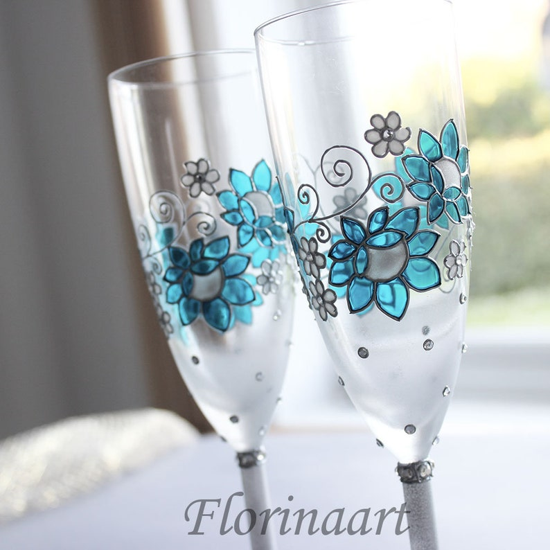 Personalised anniversary glasses Wine glasses Wedding image 0