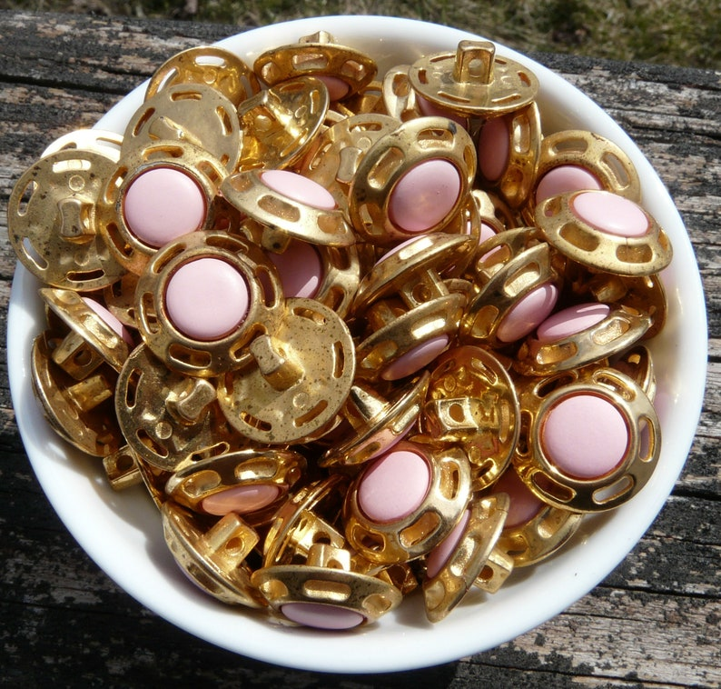 1116 ~ MetalPlastic Buttons ~ Sewing Crafts Art Supplies NOS Lot of 50 Vintage Pink /& Gold Shank Back Buttons ~ New Old Stock ~ Approx