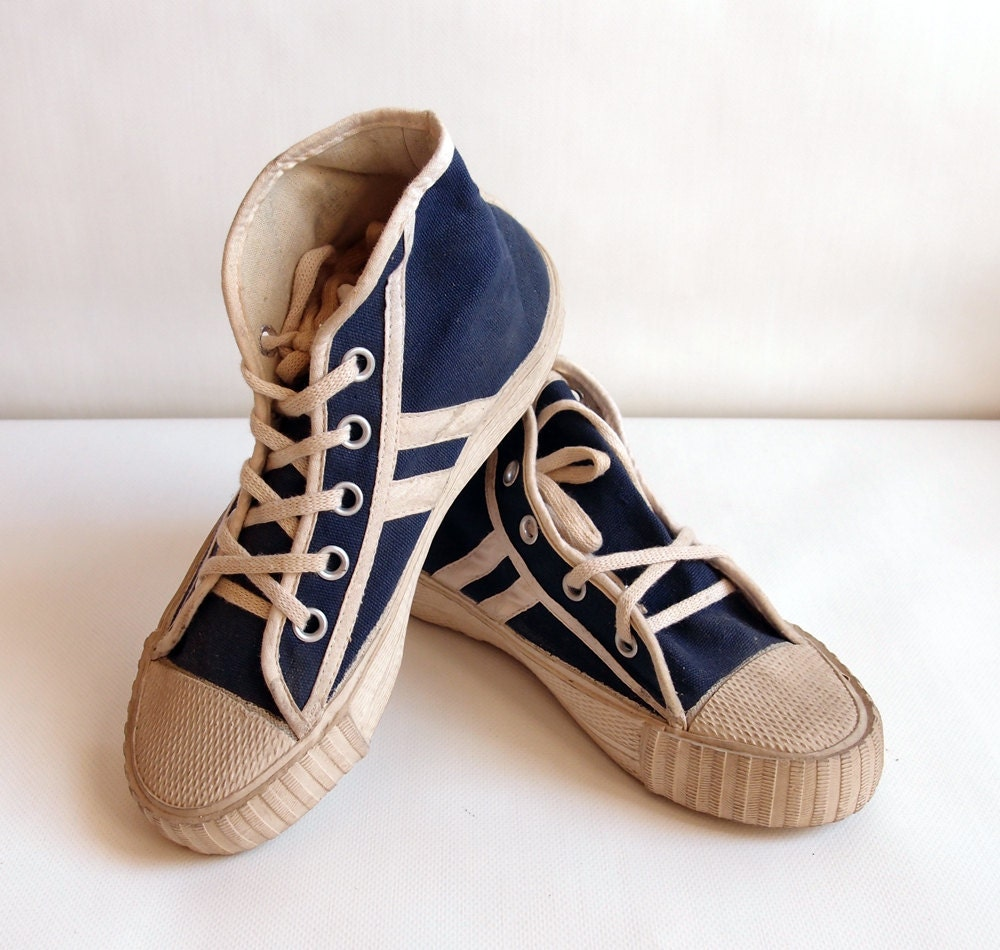 a0816804135ae Blue and white canvas sneakers size US 5.5 Teens athletic shoes Vintage  sneakers Blue canvas keds USSR 80s vintage shoes Gift for her