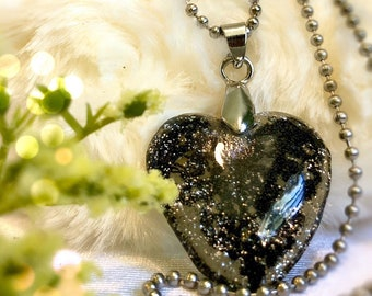 Lace black Alencon Resin heart necklace Custom jewelry Heart pendant Wire wrapped jewelry Vegan Gifts for her Vegan jewelry hearts glitter