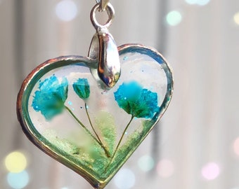 Real dried flowers necklace Ready to ship! Hand-pressed and hand-dyed blue Resin heart elegant necklace Custom jewelry pendant Vegan Gifts