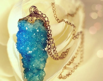 Blue sparkle crystal elegant necklace handmade Geode Custom jewelry Sparkly pendant Vegan Gifts for her Druzy jewelry hearts bling gemstone