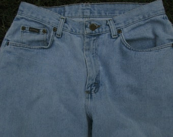 VINTAGE JEANS, 90s Grunge, boyfriend jeans, distressed light blue, faded worn-in denim, high-waisted, Lee Riders womens, waist 32 inseam 29