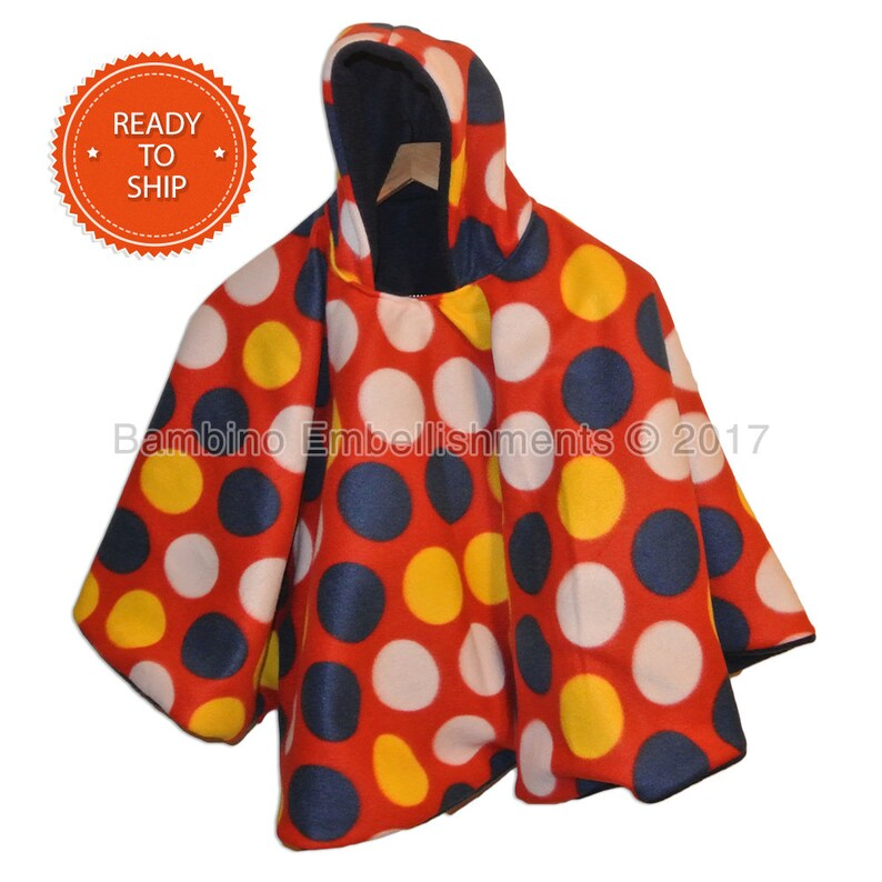 It/'s Reversible Sports Hooded and Car Seat Safe to keep Kids Warm Football Car Seat Poncho fits 6 months to 5 years