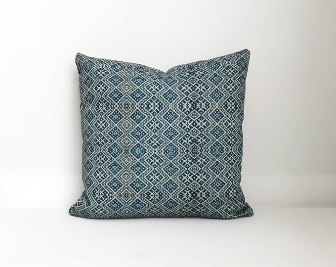 Outdoor Pillows, Pillow cover, Outdoor Boho Pillow, Outdoor Pillow Cushion, Bohemian, Boho, Outdoor Chinese Embroidered Pillow