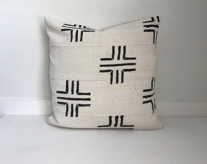 African Mudcloth Pillow Cover, Ethnic, Handwoven, Black and Cream, Lumbar