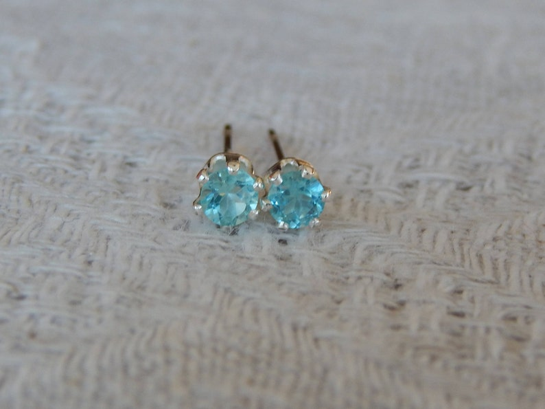 8e30eef69 Apatite 3mm Studs Apatite Stud Earrings Apatite Earrings | Etsy