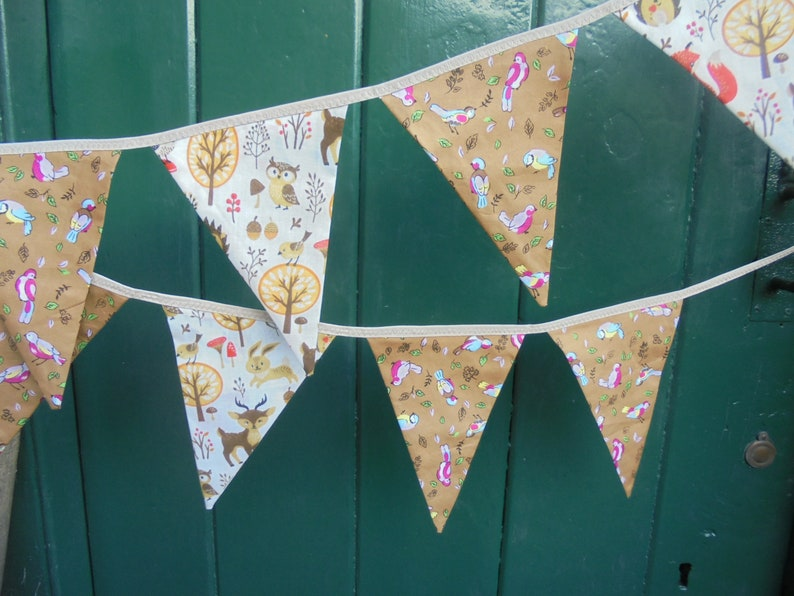 3-19 feet lengths from 90 cms lengths and shapes in different fabrics 6 metres Double Sided Fabric Bunting sizes