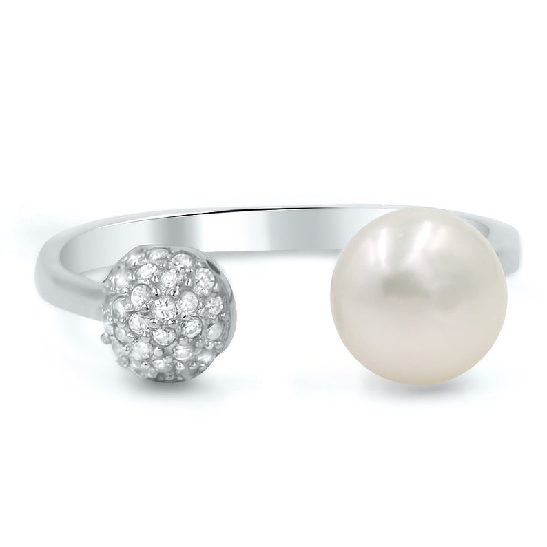 cz pearl silver ring Trendy pearl ring cocktail  Ring Modern pearl and cz silver ring pearl ring Pearl and CZ Sterling Silver
