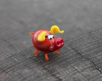 Glass pig ornament, small glass pig figurine, glass pig statue, small pig ornament, gift for pig lover, glass pig figure, miniature pig