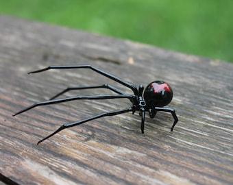 Art Glass black Widow, Figurine Blown Glass Spider, hand blown glass BLACK WIDOW Spider, Glass miniatures, Glass figurine