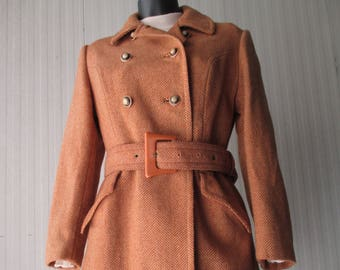 Cappotto spigato anni 60. Cintura.Tg 42-44/Gorgeous 60s orange herringbone coat with plastic belt/Doublebreasted/Mods/Pure wool/Size 8-10 US