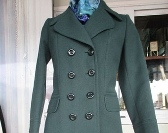 02fb0ded8a805 Taglia 42 1970s forest green coat Double breasted False pocket flaps Big  collar lapels Wool Made in Italy Size 8 US