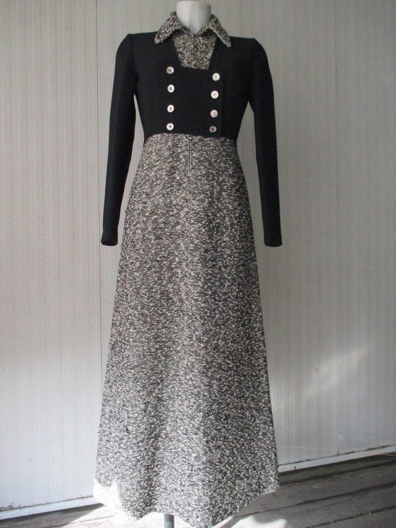34b18771f291 Maxi vestito anni 70 in bouclè di lana sale e pepe.Corpetto