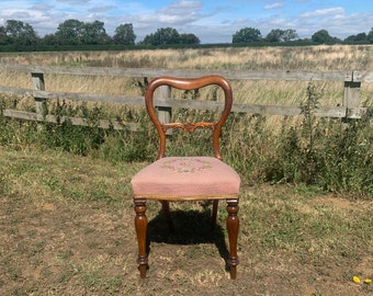 Beautiful Victorian Mahogany Balloon Back Chair with Upholstered Tapestry Seat