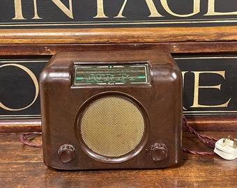 Restored and working vintage 1950s LW/MW Bush Bakelite DAC90 Valve Radio