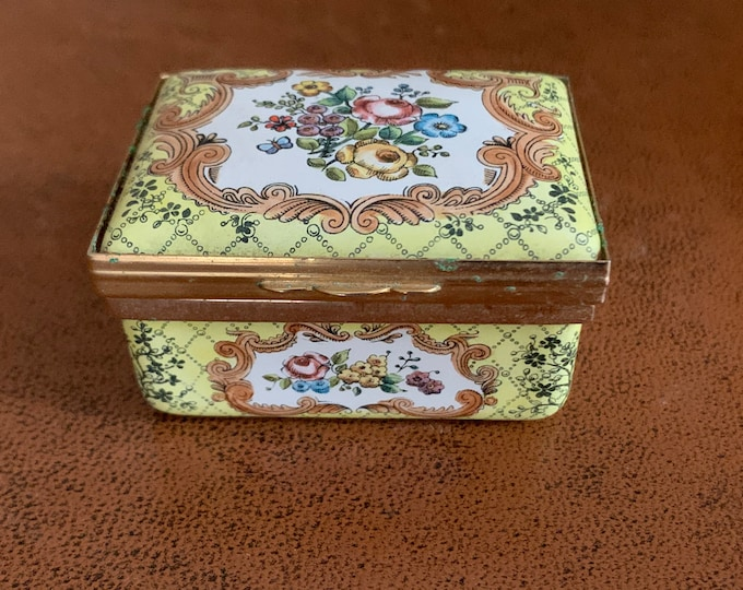 Beautiful Vintage Bilston Halcyon Days Enamels Oblong Floral Trinket Pill Box