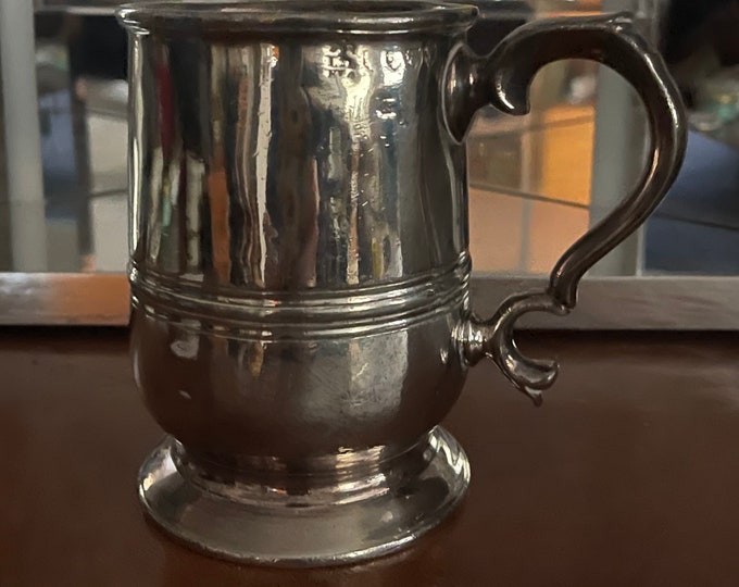 Fine Antique Polished Pewter Georgian Baluster Shaped Mug / Tankard with Traditional Scroll Handle and Spreading Foot