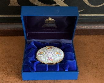 Beautiful 25th Anniversary Halcyon Days Oval Trinket Box 1995