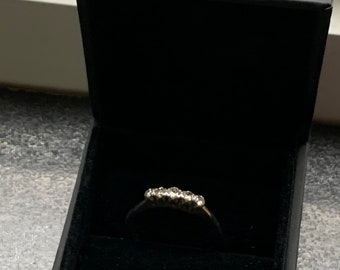 Lovely Vintage Platinum Five Stone Diamond Set Ring Size Q.
