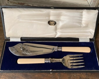 Beautiful Vintage Silver Plate Boxed Fish Serving Set circa 1910's/20's